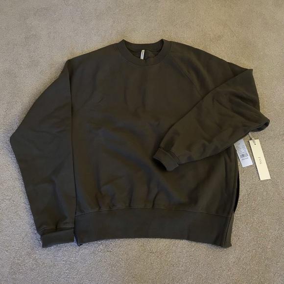 3bdd51593 Fear Of God FOG Essentials Crew Neck Sweatshirt NWT